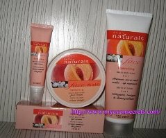 Avon Naturals Peach and Cotton фото